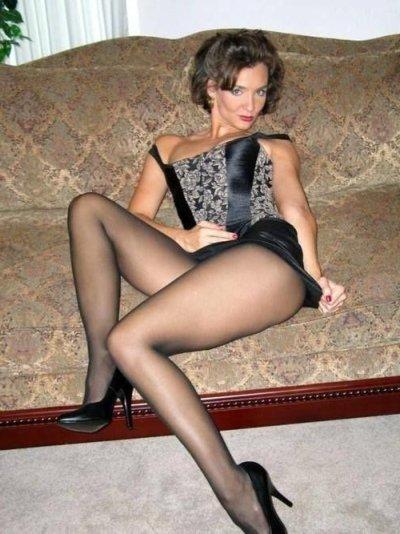 sexy Straps Lady sucht Sexpartner mit Niveau