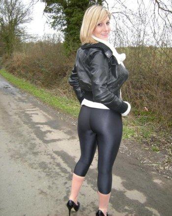 Ich bin die Sabine aus Mainz und suche hier ein Sextreffen