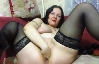 Hausfrau steht auf Fisting